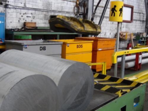 Manutention de lingots aluminium